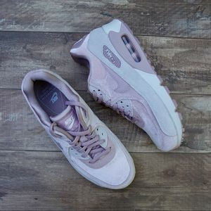 *New* Nike Air Max 90 LX Particle Rose